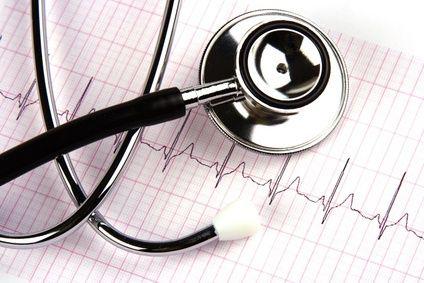 stéthoscope et electro-cardiogramme - hyperthyroïdie